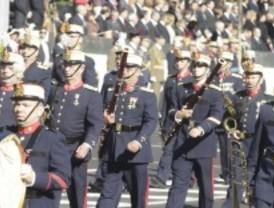 Venezuela da plantón al desfile militar