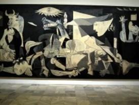 La ministra de Cultura descarta que el Guernica vaya a moverse del Reina Sofía