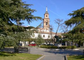Plaza de los Hermanos Álvarez Falcó. Distrito de Barajas.