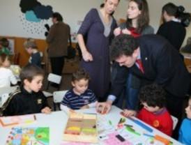 Leganés reinaugura el colegio Ángel González