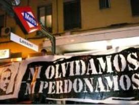 Antifascistas colocan pancartas en memoria de Palomino