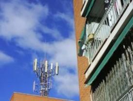 Los vecinos de Leganés piden dinero para costear el proceso abierto con las operadores de telefonía
