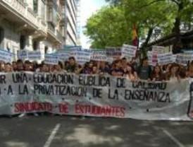 Sindicatos convocan movilizaciones por la enseñanza pública el martes y jueves