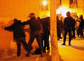 La Policía evita un enfrentamiento entre fascistas y antifascistas en Lavapiés