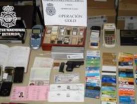 Desarticulada una red de falsificación de tarjetas y blanqueo de capital