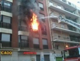 Un incendio calcina una vivienda en Retiro