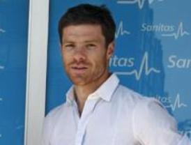 Xabi Alonso supera el reconocimiento médico para ser jugador del Real Madrid