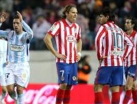 El Málaga devuelve a un infame Atlético a su triste realidad