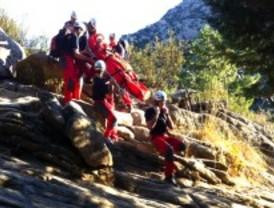 Rescatan a un joven tras caerse en La Pedriza