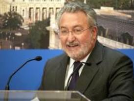 Soria acusa a Aguirre de hacer campañas de vacunación