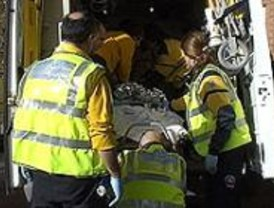Una mujer da a luz en una ambulancia cuando acudía en taxi al hospital