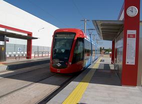 Los trabajadores del Metro Ligero Oeste aprueban diez días de paros