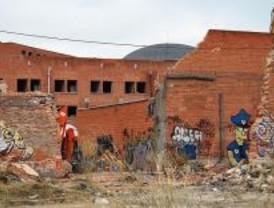 Comienza la demolición de la cárcel de Carabanchel de madrugada
