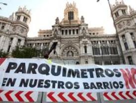 Colectivos antiparquímetros piden a Gallardón la devolución del dinero recaudado