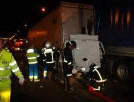 Un muerto y tres heridos tras una colisión múltiple en la A4 a la altura de Pinto