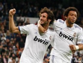 Madrid y Atlético siguen adelante en la copa