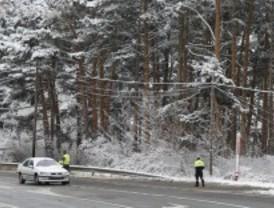 La M-601 lleva restricciones al tráfico por nieve