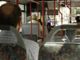 Menos viajeros en autobús y metro