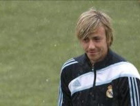 Más de 2.300 aficionados acuden al entrenamiento del Real Madrid