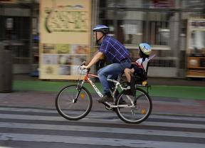 El uso del coche baja un 3% y sube un 27 la bicicleta