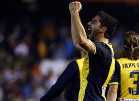 Postiga rescata al Valencia y empata con el Atlético de Madrid
