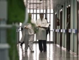 Sanidad llama a los vecinos a usar el Gómez Ulla ante la paralización del hospital de Carabanchel