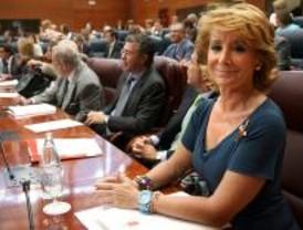 Aguirre anuncia una ley para reconocer como autoridad de los profesores