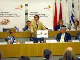 Aznar cree que la crisis desaparecerá