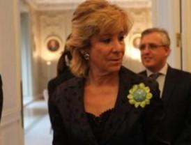 Aguirre, abucheada por empleados públicos