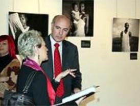 El centro 'Julio Cortázar' acoge el Premio de Fotografía Humanitaria 'Luis Valtueña'