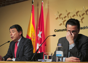 Madrid 'aparca' la privatización de los hospitales y Lasquetty dimite