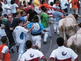 Un herido leve por asta de toro y ocho contusionados en el primer encierro de Leganés