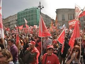 Los trabajadores de Aena amenazan con parar los aeropuertos en Semana Santa y verano