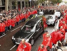 Miles de personas recuerdan que la lucha 'continúa' en la despedida al histórico sindicalista