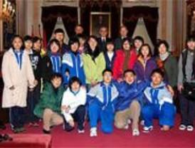 Alcalá recibe la visita de estudiantes chinos de intercambio
