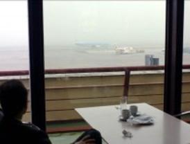 La niebla obliga a desviar cinco vuelos y causa varios retrasos en el aeropuerto de Barajas