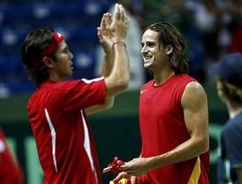 Verdasco gana y España se lleva la Davis