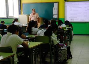 Educación elimina los seminarios y la formación a distancia impartidos por entidades
