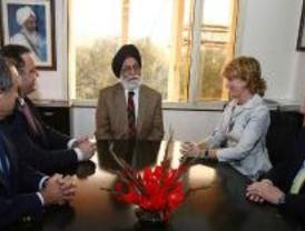 Aguirre anima a los empresarios indios a decantarse por empresas madrileñas