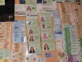 Detenidas 84 personas por falsificar documentos para regularizar a prostitutas extranjeras