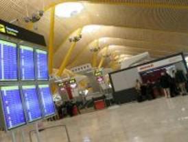 Los controladores niegan estar en huelga encubierta en Barajas