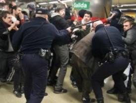 La protesta de 'Yo no pago' termina en carga policial