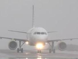 La niebla complica el tráfico aéreo de Barajas
