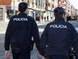 Un hombre agrede a tres policías cuando iba a ser detenido en el centro de Madrid