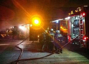 Extinguido un incendio en una nave agrícola en Valdaracete