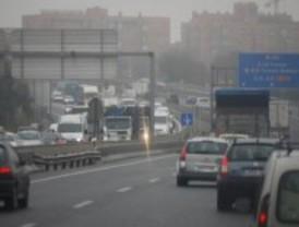 La lluvia complica el tráfico en toda la Comunidad