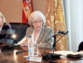 Ana María Matute inicia su apretada agenda