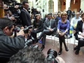 Aguirre vuelve a actividad política y promete que seguirá