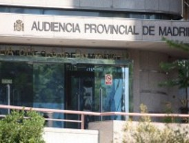 El fiscal pide 12 años para una joven por asaltar tres bancos y engrilletar al director de una sucursal