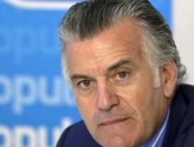 Bárcenas dimite como tesorero del PP y solicita su baja temporal del partido